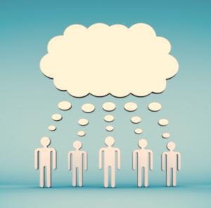 Über fünf Personen bildet sich eine gemeinsame Denkblase